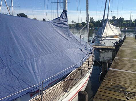Boot Mit Blauer Leichtpersenning
